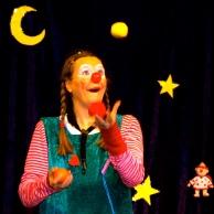 Clownin LOTTE mit Jonglage