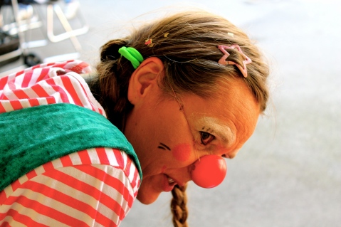 Clownin LOTTE nachdenklich